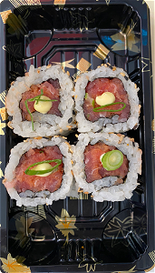 Foto Uramaki spicy tonijn